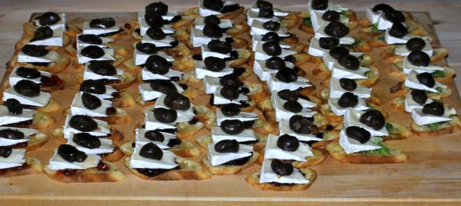 Duck gizzard confit with brie and basil jelly