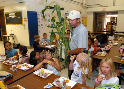 Gary Pahl of Pahl's Market visited Southview Elementary on September 12 to promote the locally grown fruits and vegetables being served for lunch. Photo by Rick Orndorf of thisweeklive.com.